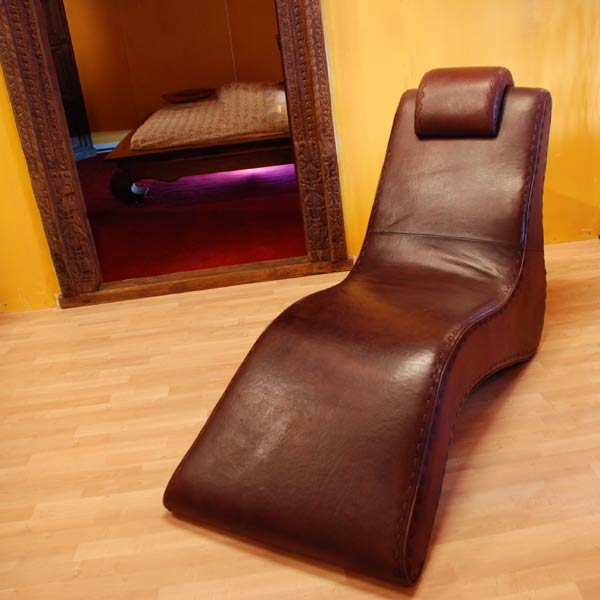 Lounge_Chair_Nap_2.jpg